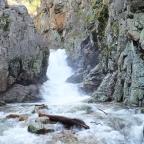 Cascada del Purgatorio. Escondida entre rocas.